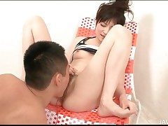 Prudish Japanese pussy squirts in hot video